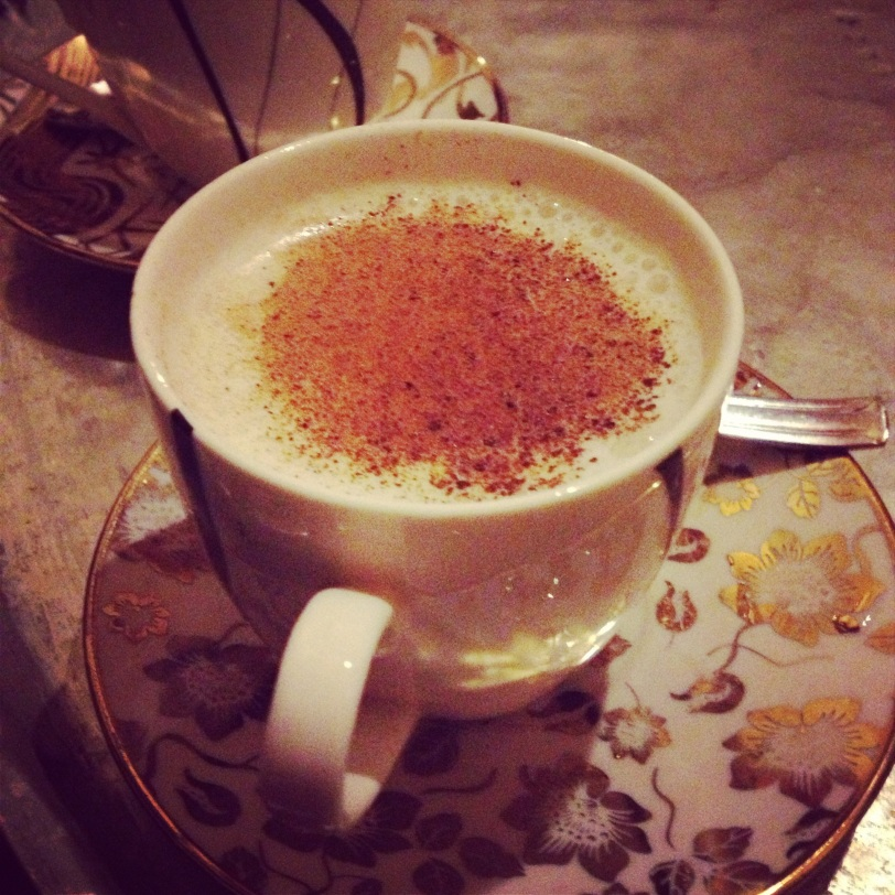 hot sahlep topped with cinnamon